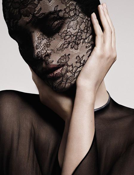 Givenchy-Le-Soin-Noir-make-up-4